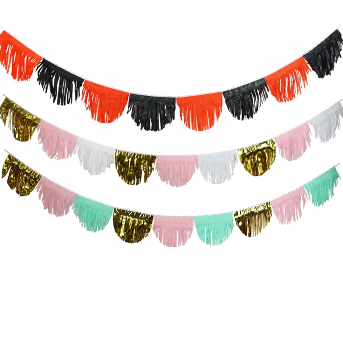 Fringed tissue banners for backdrop and decoration